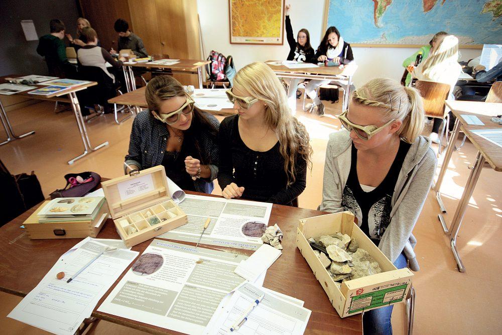 Von Pädagogen konzipierte Unterrichtseinheiten mit Aufgaben- und Lösungsblättern