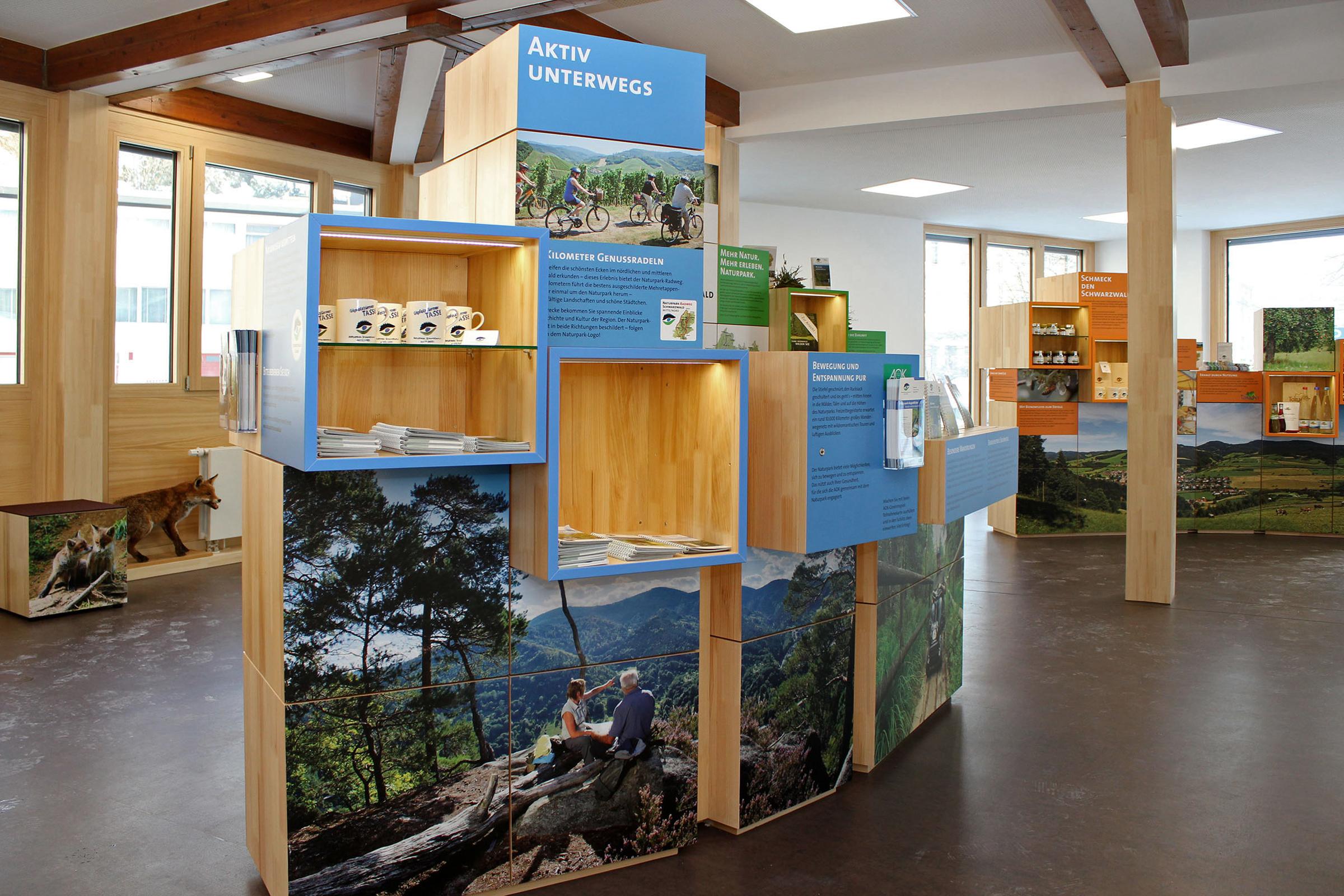 Blau: Aktiv-Erlebnis, Orange: Regionalvermarktung, Grün: Naturpark / Naturpädagogik
